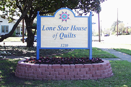 Lone Star House of Quilts Sign Structure
